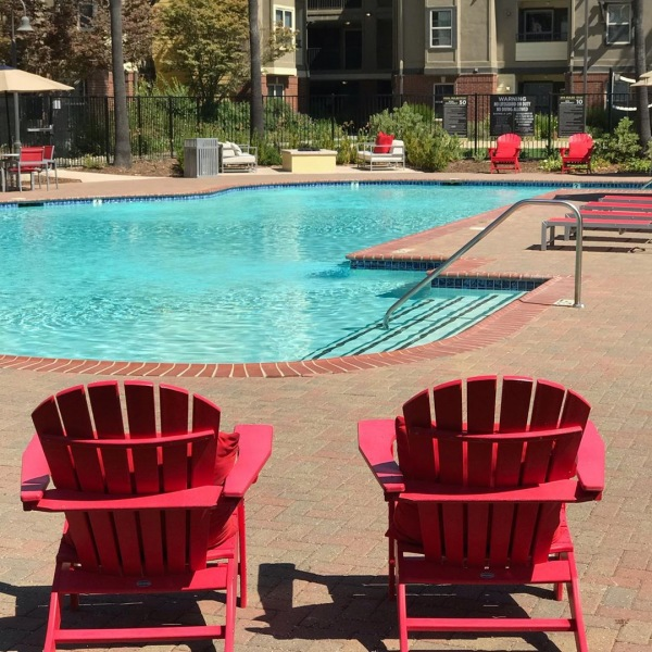 Bring your bestie! Our amenities offer quite a few places to hang out with your bestie! Sign a lease for a Shared room within our Silo floor plan and receive a $300 gift card concession! Having a bestie is a lifestyle and here at The U we allow your friendship to flourish!  #theudavis #theu #ucdavis #davisca #davis #californialiving #housing #housingdavis #ucd #uhouzz #davishousing #instagram #snapchat #wechat #lifestyle #student #studentliving #bestie #bestfriend