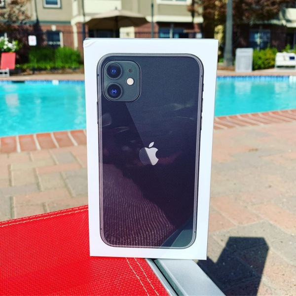 Stay tuned tomorrow for the announcement of the iPhone 11 winner. Those who came to the sunset fest have been entered to win